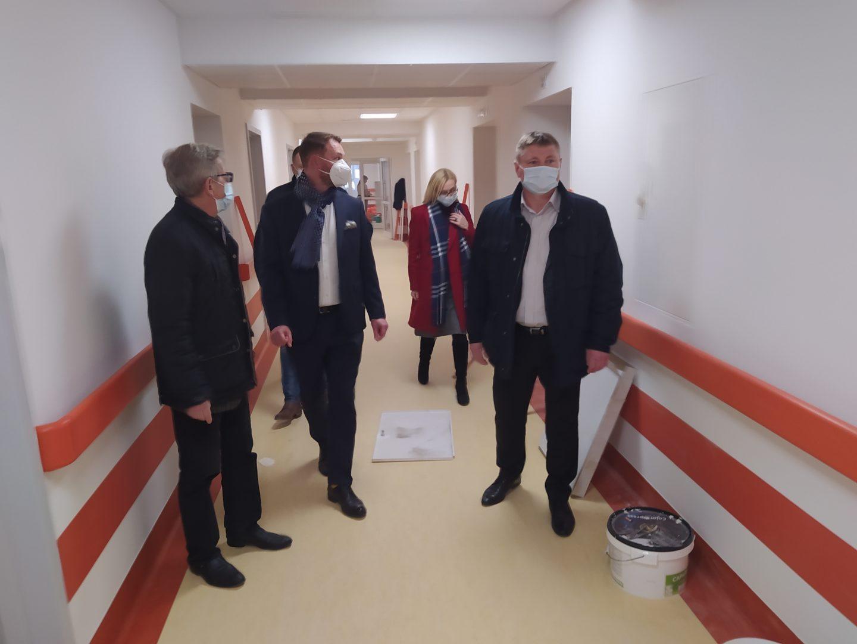 Trwają prace nad utworzeniem oddziału dla pacjentów z covid oraz nowego oddziału intensywnej terapii.